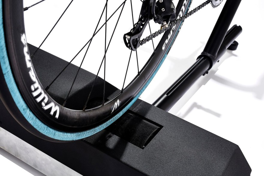 VeloReality Lynx Turbo Trainer – Zwift Gear Test Posted on 17th