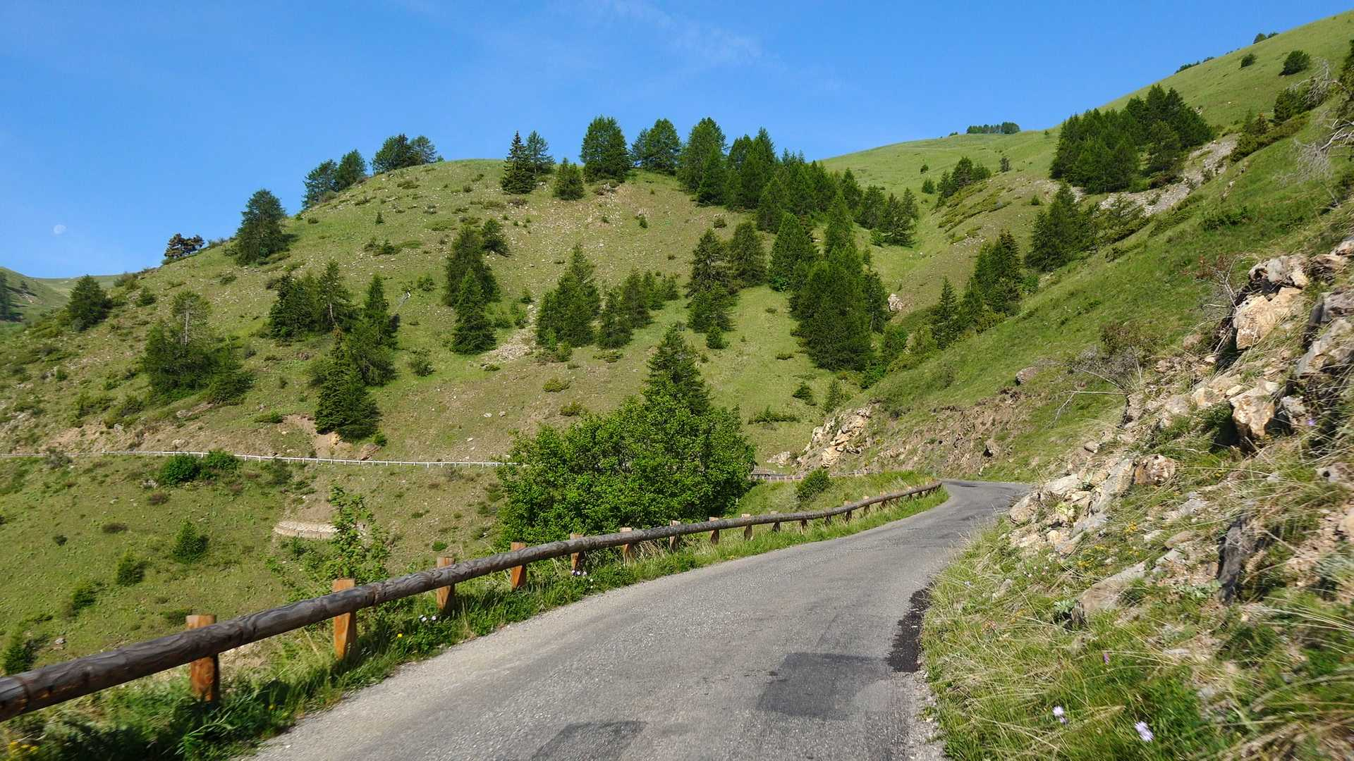 Part 4 of Mercantour Loop Grand Tour Gallery Image 1